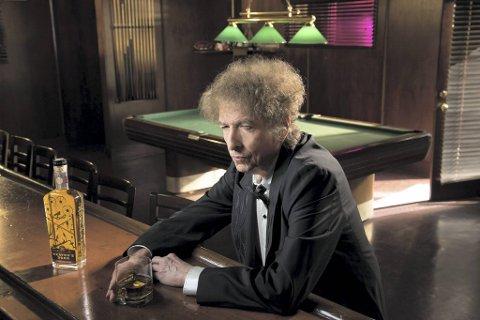 Bob Dylan har mange prosjekter, som musikk, kunstmaling, smijernsporter – og sterke saker som Whiskey og Bourbon.