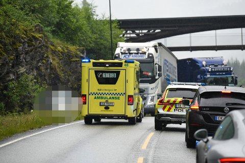 Én personbil er involvert i ulykken ved Voss onsdag formiddag.