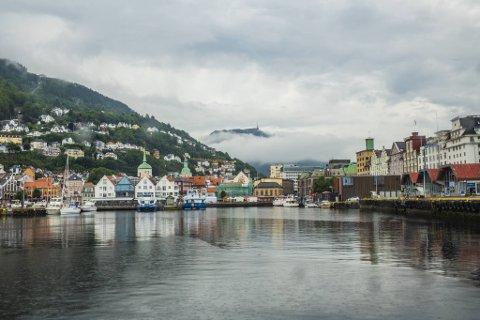 Slutten av uken ser grå ut i Bergen, men meteorologen krysser fingrene for at den neste kan bli bedre.