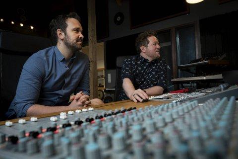 Mads Vathne Lervik og Bjarte Hoff Ludvigsen i Tune Park går nye veier for å nå ut med musikken til artistene sine.