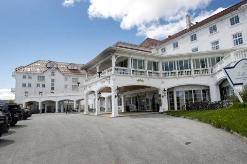 Like ved Dr. Holms hadde hotelleierne planer om storutbygging. Nå har retten satt en foreløpig stopper for planene.