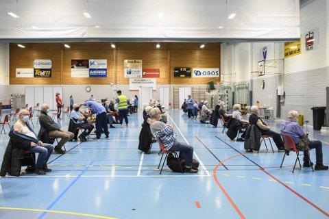 Koronasmitten øker i Bergen. Nå ber kommuneoverlegen folk følge smittevernrådene.