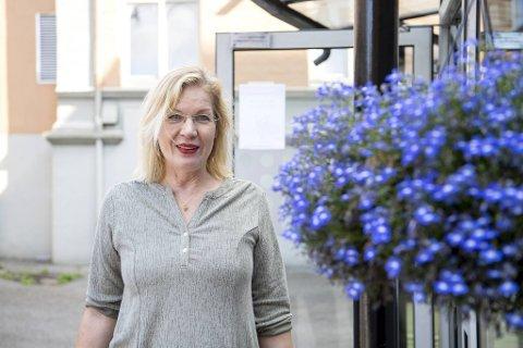 Flere hjemmeboende eldre har blitt mindre aktive det siste året. Det vil prosjektleder Birthe Stenhjem og Bergen kommune endre på.