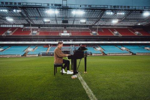Kygo har spilt på OL-avslutningen i Rio, fylt Barclay Center i New York (19. 000 mennesker) og spilt på en rekke andre store arenaer, men Ullevål-konserten blir hans største til nå i karrieren målt i antall publikummere.