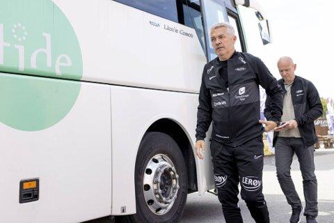 Brann-trener Kåre Ingebrigtsen etterfulgt av sportssjef Jimmi Nagel Jacobsen.