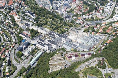 To søstre omkom i lynnedslag på Sunnmøre. Den tredje søsteren har vært til behandling på Haukeland universitetssjukehus, men er nå utskrevet.