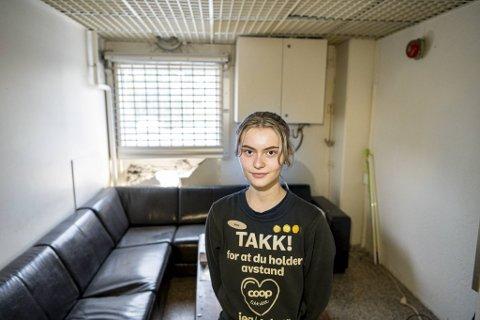Anna Reistad Myklebust er rystet etter at lunsjen ble avbrutt av en bil som kom brasende.