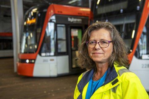 Marianne Kramer, driftssjefen i Bybanen AS, vil forsøke å finne årsaken til systemfeilen de kommende dagene.