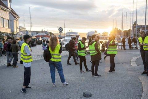 De ulike el-løperhjulaktørene står klare for å teste promillen på brukerne sine i Bergen sentrum fredag kveld.