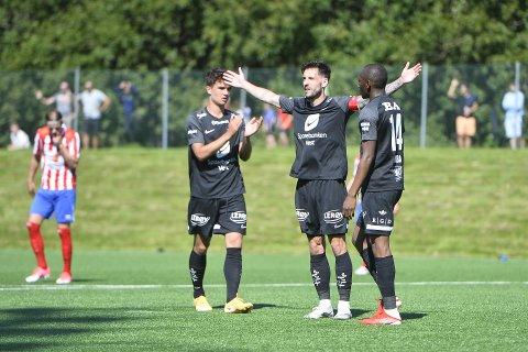 Daniel Pedersen sto for to av målene.