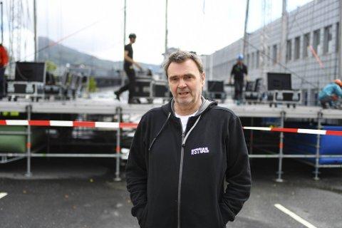 Festivalsjef for Bystrandfestivalen, Tor Egil Hylland, er klar for festival: – Vi har planlagt for dette lenge, så det blir godt å komme i gang. Jeg tror jeg kommer til å ha en god følelse i kroppen på søndag.