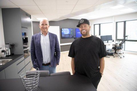 Jørgen Simmenes (t.v.) og Christian Overaa i CCT ønsker å utvide virksomheten i Bergen med nytt nøkkelpersonell.