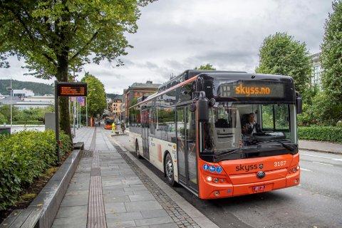Per i dag har Keolis Norge 112 elektriske busser. – Sammenlignet med en dieselbuss, sparer hver buss miljøet for 50 tonn CO2 utslipp hvert eneste år. Det er vi stolte av, sier Keolis-direktør Øystein Gullaksen.