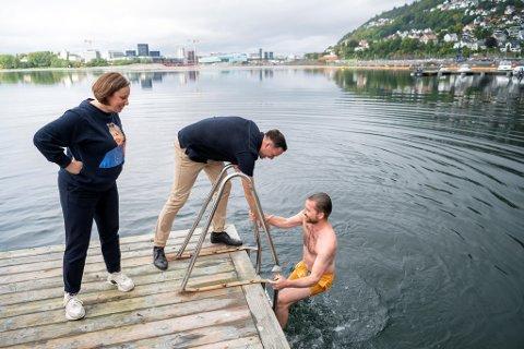 Sveinung Rotevatn får bistand av Dag Inge UIstein. Begge kom inn på Stortinget. Ulstein mest med hjelp av distriktsstemmer, Rotevatn med bystemmer. Høyre og Charlotte Spurkeland var også sterkest i Bergen.