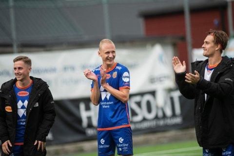 Kristoffer Barmen (i midten) fikk en lykkelig retur til Bergen med 6-1-seier over Åsane.