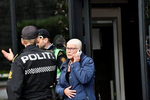 Nav Vestlands direktør Anne Kverneland Bogsnes kom til Nav Årstad mandag formiddag.