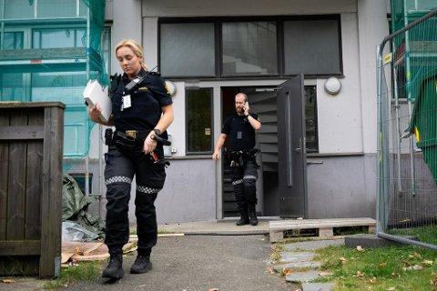 Politiet ransakte mandag boligen der drapssiktede er registrert.