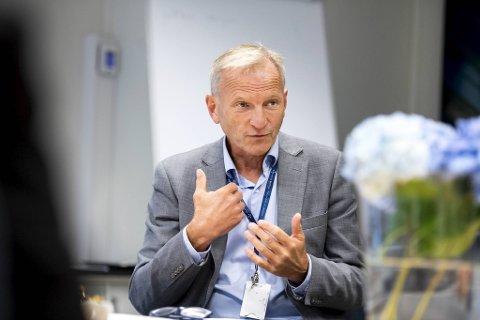 Sykehusdirektør Eivind Hansen på Haukeland betaler for tjenester han ikke har noen innflytelse over.