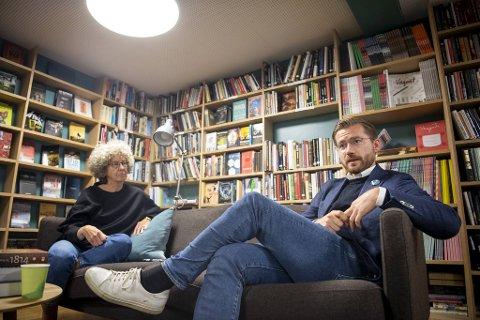 Sjef for Litteraturhuset i Bergen, Kristin Helle-Valle, og Venstres Sveinung Rotevatn er begge bekymret for at gaveforsterkningsordningen skal skrotes hvis Arbeiderpartiet og Sosialistisk venstreparti får det som de vil.