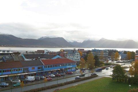 Vesterålsgata i 2003, etter at «den sorte byen» er blitt Blåbyen. (Foto: Alf Oxem)