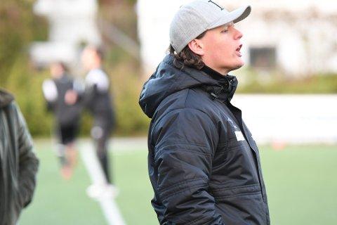 Frustrerende tap: Tross fire scoringer for RIL C, endte det med tap borte mot Finnøy. Her med RIL C-trener Arve Junior Sem-Henriksen.
