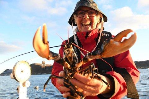 Hummerfiskedilla: Gerd Reianes (67) sier at høsten er ikke den samme uten hummerfiske. Her fra hummerfisket i fjor.