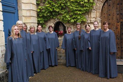 Schola Solensis øver hver mandag i Sola ruinkirke, og skal bidra med vakker gregoriansk sang i Utstein kloster neste lørdag.