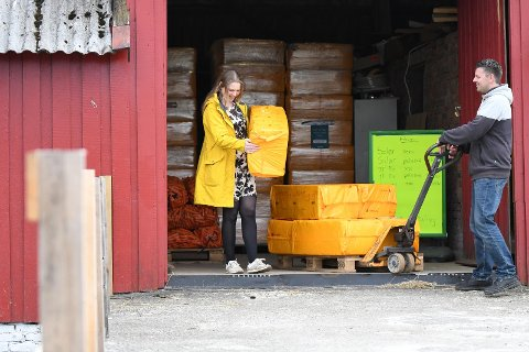Haaland Gårdsutsalg: Kjartan Grødem her sammen med Anette Husstøl.