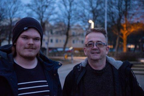 """Simen Ingemundsen (t.v) og Stig Ellingsen har blitt overveldet over responsen på deres nye bok. De er allerede i full gang med en oppfølger til """"Spindelvevet""""."""