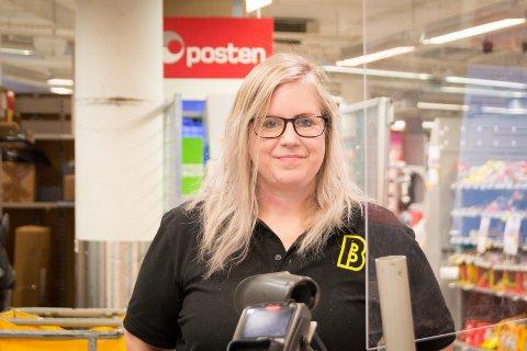 Tiår i Bunnpris: Kristine Stephensen har vært ansatt på Bunnpris Randaberg i ti år, og nå gleder hun seg til at butikken skal inn i nye lokaler.