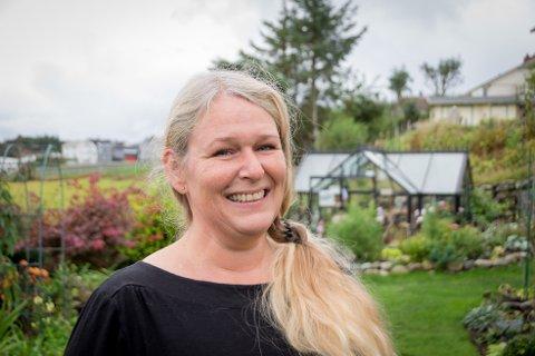 Din Drømmehage: Gina har alltid vært interessert i hage og planter. Nå vil hun hjelpe folk å få en fin hage - uten at det skal koste skjorta.