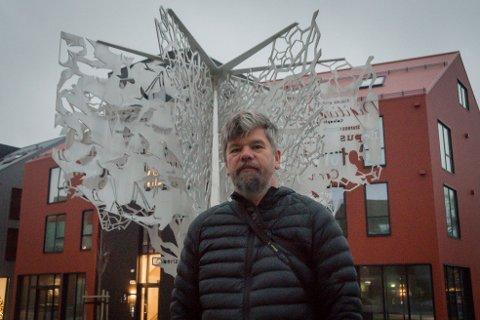 Tuntre: Ståle Sørensen tok inspirasjon i det som gjør Randaberg unikt da han tegnet landsbytreet.