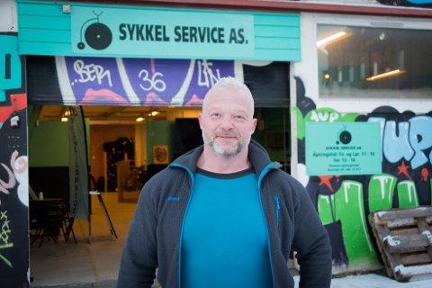 Større lokaler: Sykkel Service AS vokser, og nå har de flyttet inn i enda større lokaler.