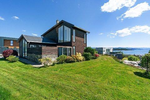 OMSIDER SOLGT: Det tok tid, men hytta i Østhusvik ble til slutt solgt.