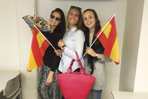 Spansk på timeplanen: Ida Gjellerud, Kristi Killingstad og Stine Norman ved Rosthaug videregående skole har skrevet et essay om sine opplevelser med spansk og også reflektert rundt nytten av det å lære seg språk.