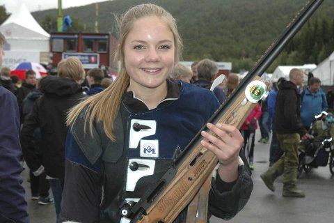 FINALEKLAR: Hanna Hunstad fra Sigdal skjøt 250 poeng og er klar for finaleskyting i eldre rekrutt torsdag.