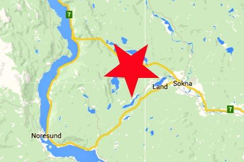 HER: I området Havikskogen/Stabekk havnet den stjålne bilen i grøfta.