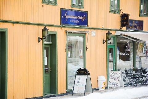BREKK: Aquamassasje ligger i Vikersundgata 14.