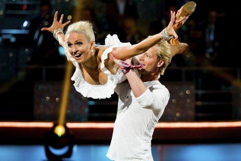 STEMMER: Eilev Bjerkerud håper mange stemmer på ham og dansepartner Nadya Khamitskaya i kveld. Foto: NTB scanpix