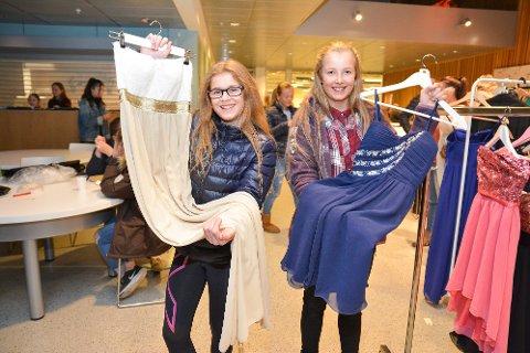 FULL KLAFF: Mathea Lervåg (t.v.) og Karina Tollefsen Skauge gjorde begge gode kjolekupp.
