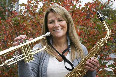 Gladjente: Hilde Merete Hartz behersker flere enn et instrument og koser seg stadig over å utvide instrumentstallen.