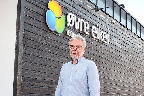 TAPER: Daglig leder Lars Ø. Andresen i Øvre Eiker Energi forteller at de mister kunder.