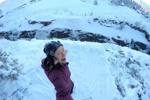 PÅ HJEMMEBANE: Anders Backe står på kantene av dagbruddet ved Koboltgruvene. Hvilket halsbrekkende stunt han har tenkt å prøve seg på, gjenstår å se i filmen.