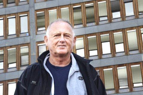 IRRITERT: Vidar Løvf hevder at ordfører Ståle Versland ikke respekterer vedtak fattet i kommunale organ.