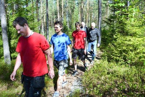 HUSBYGGERE: Andreas Brandtenborg (f.v.) Ola Bjølgerud, Vegar Wold, Odd Barndtenborg og Øistein Blekkerud.