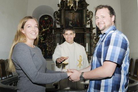 Gifter seg: Mariann Halvorsen og Christian Sandberg gifter seg i Heggen lørdag 25. juni. Paret vies av sogneprest Geir Holberg.