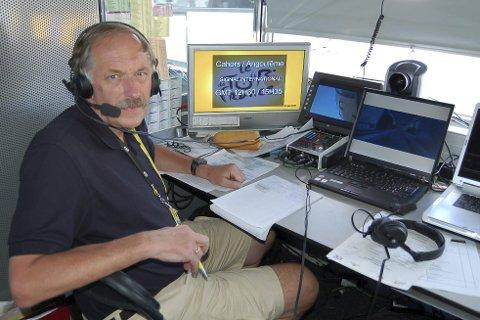 PÅ PLASS: Johan Kaggestad stortrives som kommentator for TV 2. I morgen reiser han til Frankrike, for å kommentere sitt 14. Tour de France for kanalen.Foto: Jan Solvang/TV 2