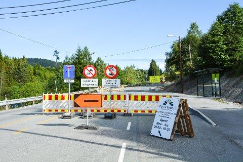 SJEKKER: Her ved Kolsrud bru loses trafikken over til vestsida, og der kan du risikere å treffe UP.