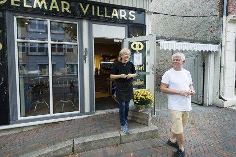 Selger: Wigdis og Erik Gulbrandsen skal selge bygget sitt i Vestfossen, som huser den tradisjonsrike Villars kafe. Arkivfoto: Tore Sandberg