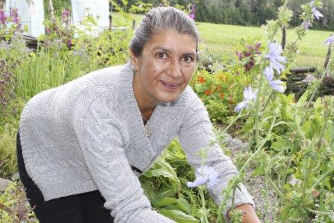 Leier ut til nederlandske gartnere: Nicola Samad oppfordrer folk til å tegne abonnement på kasser med økologiske grønnsaker allerede nå.                                                                    Arkivfoto